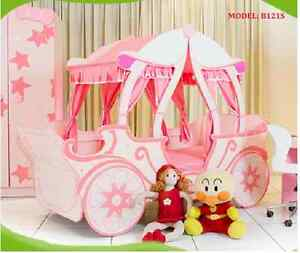 CARRIAGE GIRLS BED THE PRINCESS CASTLE PINK BED FOR KIDS CARBED Casula Liverpool Area Preview