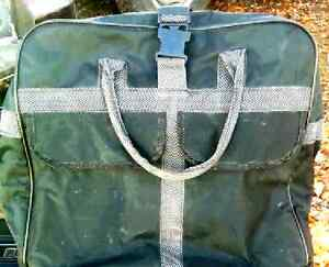 """ALTA rolling bag luggage exstands from 20""""carry on to 30"""""""