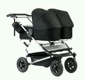 2016 Mountain Buggy duet V2.5 with twin carry cot plus