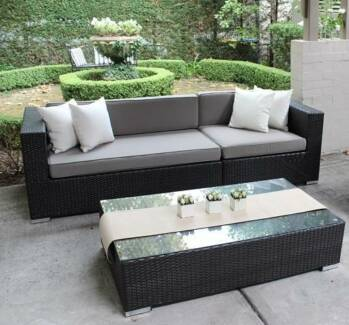 WICKER LOUNGE SETTING, EUROPEAN STYLING,3 SEATER,B/NEW