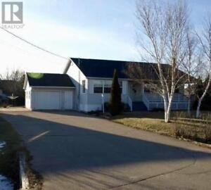 3 bd, 2.5 bath, wood stove, great location, fireplace, deck!