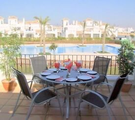 A SELF CATERING 2 BEDROOM 2 BATHR HOLIDAY RENTAL OVERLOOKING GARDENS & POOL IN SUNNY MURCIA SPAIN