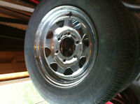 4 mags AND TIRES 195 -14   6 holes for trailer remorque