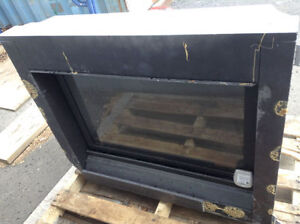 GAS FIREPLACE WITH REMOTE TO START,