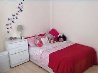 One ensuite room in woodside park available 2nd November