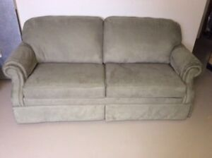 La-Z-Boy Sofa Bed ( HARDLY USED, LIKE NEW ) MAKE OFFER
