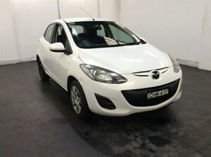 2012 Mazda 2 DE10Y2 MY12 Neo White 5 Speed Manual Hatchback Cardiff Lake Macquarie Area Preview