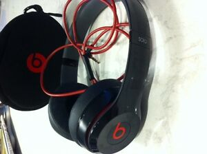 Beats Headset for sale in excellent condition
