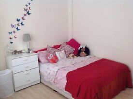 Duble room still available furnished in 45 glenthrone road.