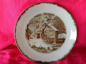 "VINTAGE. UNE ASSIETTE DÉCO ""THE OLD MOMESTEAD IN WINTER"""