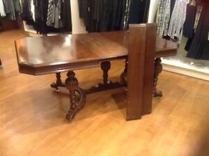 WALNUT DINING TABLE FROM THE 1940 ERA London Ontario image 2