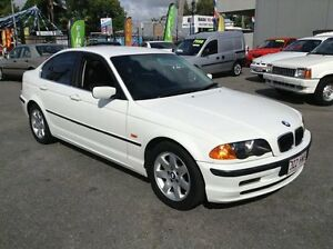 2001 BMW 320i FULL LOG BOOK SERVICE HISTORY, AUTO IN IMMACULATE CONDITION!!!m White Automatic Sedan Biggera Waters Gold Coast City Preview