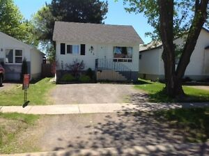 PERFECT STARTER HOME! Open House Sun June 25th 2-4PM