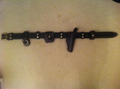 Bianchi Police Utility Belt Handcuff Case Night Stick Speedloader Gun Holster