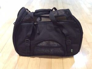 Cat/Small Dog Carrying Case