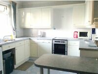 LOVELY 1 BED IN PEACEFUL AREA! MOVE ASAP! GREAT SIZE FLAT!