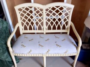 Bench DragonFly Pale yellow/cream colors. Very Sturdy.