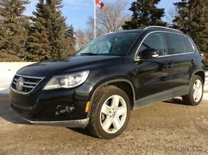 2010 Volkswagen Tiguan, SE-Pkg, AUTO, AWD, LEATHER/ROOF, $12,500