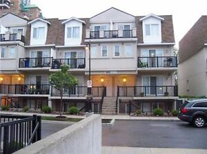 Sunny Bright Updated 1 Bedroom Stacked Townhome,Prime Location