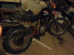 Honda XL200 dirt bike