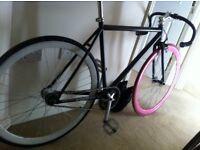 Dual hub fixed gear bike
