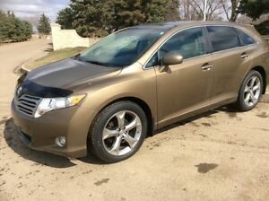 2010 Toyota Venza, LIMITED, AUTO, AWD, LEATHER, ROOF, $11,500