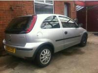 Vauxhall corsa 1.0l 2004 1 lady owner