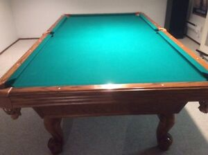 Excellent Condition Pool Table for Sale.