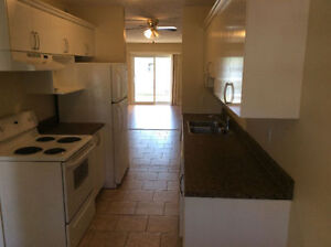 STUNNING 2 BEDROOM TOWNHOUSE WITH WASHER & DRYER- AUG 1ST