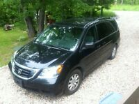 2008 Beautiful Black Stylish Honda Odyssey EX-L with RES