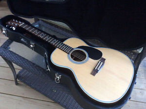 Sigma SF28 acoustic guitar - Like New
