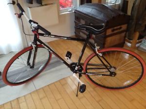 vélo fixie 700c single speed comme neuf!!!