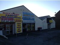 Retail unit for rent/class3 hot food/private parking