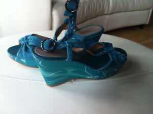 Souliers TURQUOISE pointure 9