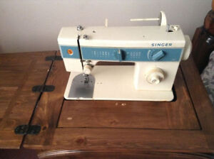 SEWING MACHINE WITH CUSTOM TABLE *** NEW LOW PRICE !!!