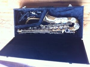 Alto Power Sonic serial #219596 saxophone with case