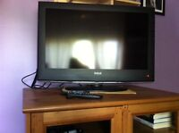 "RCA 31"" Flat Screen HD w/Remotes+Bell Expressvu PVR - Like new"