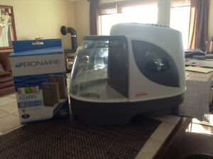 Sunbeam SCM 7809 Humidifier/with 2 brand new filters