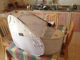 koo-di pop up travel cot / bassinet
