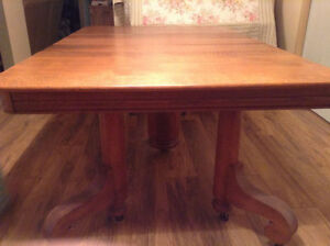 Antique dining table/chairs