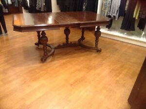 WALNUT DINING TABLE FROM THE 1940 ERA London Ontario image 1