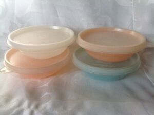4 Vintage 1960's Tupperware dessert dishes with covers