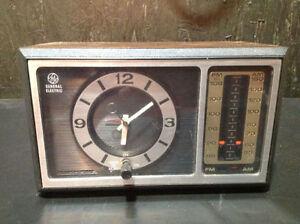 General Electric Vintage AM/FM Alarm Clock Radio Analog
