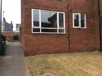 AVAILABLE NOW-TWO BED GROUND FLOOR FLAT DONCATER £84 PW