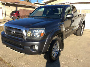 2010 Toyota Tacoma     TRD OFFROAD MODEL