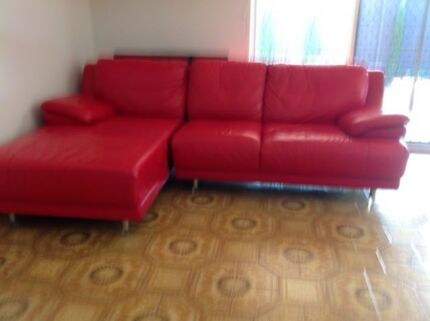 Leather Lounge in good condition