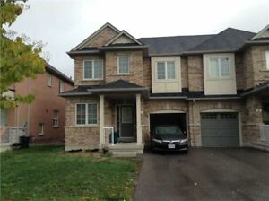 3Bed 3bath whole House in Aurora St John's side/Bayview for Rent