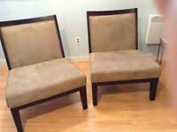 2 Slipper/accent chairs