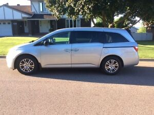 2012 Honda Odyssey EX Minivan in PRISTINE condition!
