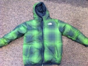 North Face boys reversible down jacket size 14/16